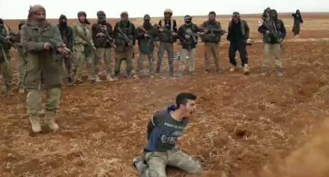 FSA-Unterstützer jubeln über die Jabhat al Nusra Gefangenenmörder ...